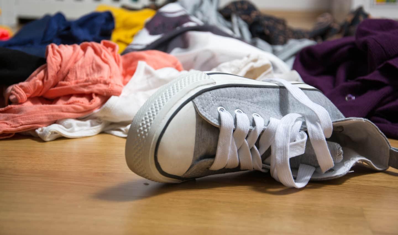 clutter wardrobe